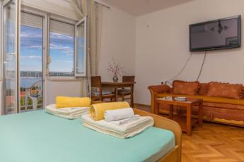 Dvokrevetna soba s pogledom na more br 2